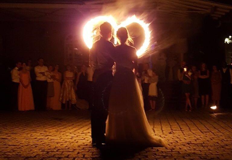 flamazing-Feuershow-Hochzeit-Feuerherz